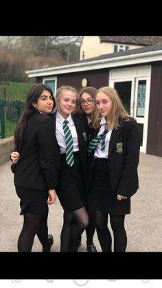 Preppy School Girl, School Girl Dress, School Uniform Outfits, Cute School Uniforms, Curvy Outfits, Girl Outfits, British School Uniform, Print Tights, British Schools