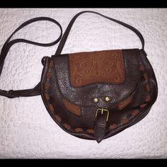Roxy western style cross body bag Super cute western style cross body bag Roxy Bags Crossbody Bags