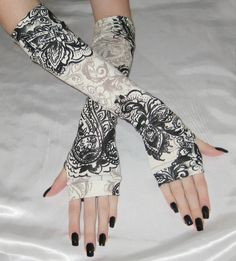 Mehndi Arm Warmers Fingerless gloves sleeves armwarmers - Gilded Age - Gothic ivory beige black cotton knit goth belly dance tribal gypsy by Mellode on Etsy