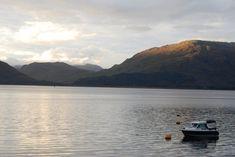 Le majestueux Loch Linnhe, dans la région de Glencoe...  #lochlinnhe #loch #lake #ecosse #scotland #alainntours Inverness, Highlands, Outlander, Glencoe, Monstre Du Loch Ness, Chutes Victoria, Bali, Nature Sauvage, Destinations