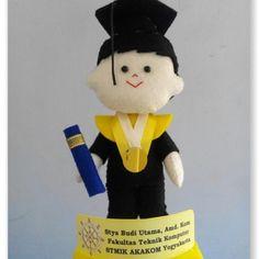15cm graduation felt doll. Stmik akakom yogyakarta Indonesia.