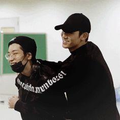 Un couple presque parfait - Tome 2 Seventeen Mingyu, Meanie, Best Friendship, Jeonghan, Make Me Smile, Dramas, Wattpad, Kpop, Shit Happens