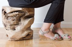 Tronco de madera maciza de teka WOODIE disponible en www.rdiseno.es/shop