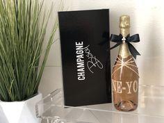 #GlamBottle #ChampagneBisou for #Neyo #Worldofdance #wine #champagne #legrandcourtage Champagne Gifts, Champagne Party, Champagne Bottles, Pink Champagne, Champagne Birthday, Bottle Design, Hostess Gifts, Bubbles, Happy Birthday