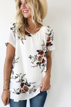 Floral Print Chiffon Blouse Summer Loose Short Sleeve O Neck Womens Tops And Blouses Ladies Casual Bohemian Flower Shirts Vestid Holiday Outfits, New Outfits, Spring Outfits, Cute Outfits, Night Outfits, Floral Blouse Outfit, Urban Outfitters Style, White Short Sleeve Blouse, Classy Casual