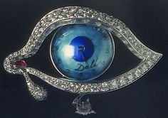 Salvador Dali i Domenech - The Eye of Time (The Time Eye) - 1949 to x x cm - Platinum. Natural ruby (corundum) rounded fragments of irregular shape, polished. Salvador Dali, Jewelry Art, Vintage Jewelry, Jewelry Design, Jewellery, Fine Jewelry, Ojo Tattoo, Figueras, Baguette