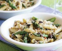 Penne with asparagus and olives