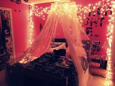 inspiration of the week *XMas lights at bedroom*