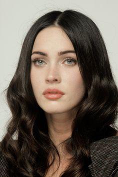Megan Fox | Natural makeup (glowing skin).