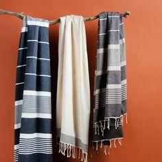 Hand Towels, Tea Towels, Scarf Display, Weaving Projects, Turkish Towels, Weaving Patterns, Bath Accessories, Sofa Design, Beach Towel