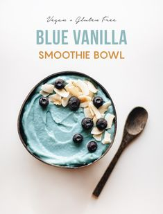 Smoothie Bowl, Vanilla Smoothie, Fruit Smoothie Recipes, Strawberry Smoothie, Healthy Smoothies, Smoothie Ingredients, Vegan Breakfast Smoothie, Healthy Bowl, Healthy Snacks