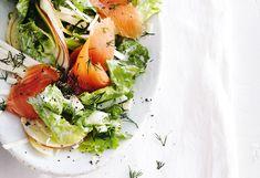 Endivien-Sellerie-Salat mit Apfel und Räucherlachs