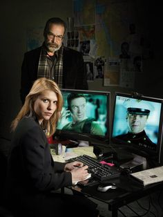 Homeland (Showtime) Claire Danes and Mandy Patinkin. What direction will the show take this season with Brody dead? Claire Danes, Homeland Tv Series, Spy Tv Series, Showtime Tv, Carrie Mathison, Homeland Season, Spy Shows, Damian Lewis, Netflix