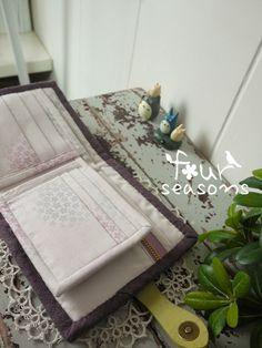 #四季学员作品#bytina龙猫短款多卡位钱包 Table, Diy, Furniture, Home Decor, Decoration Home, Bricolage, Room Decor, Tables, Do It Yourself