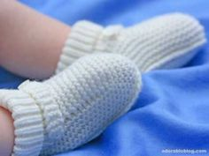 How to make #Crochet Baby Bootie Tutorial #CrochetGeek - Red Heart Yarn - YouTube