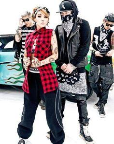Korean style from CL's 2013 MV The Baddest Female is perfect for sassy, glamorous hip-hop style lovers Hip Hop Fashion, Korea Fashion, Urban Fashion, Fashion Show, Dolly Fashion, Kpop Fashion, Kpop Girl Groups, Kpop Girls, Cl 2ne1