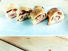 Strudel rapid tip pizza, cu foietaj Spanakopita, Bacon, Sandwiches, Pizza, Mai, Ethnic Recipes, Food, Essen, Meals