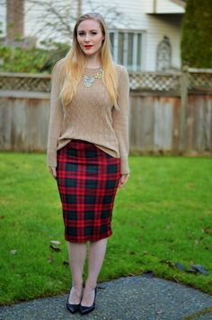 Vancouver Vogue blog: winter holiday outfit fashion! camel coloured sweater, Topshop plaid skirt, @nobisandgrey Stellar necklace