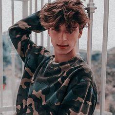 Messy Hair Look, Handsome Celebrities, Josh Richards, Cute White Boys, Cute Teenage Boys, Famous Men, Future Boyfriend, Cute Gay, Aesthetic Girl