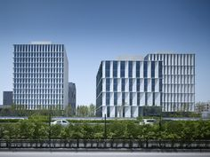 Gallery of 3Cubes Office Building / gmp Architekten - 9