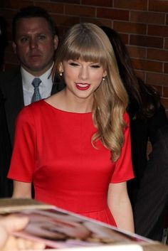 Taylor swift yellow dress katie couric