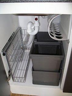 Ordnung unter dem Waschbecken