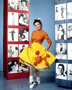 This style is from the The shoes worn in this image is called saddle shoes. These were worn at dances. Mickey Mouse Club, Disney Mickey Mouse, Classic Actresses, Actors & Actresses, Classic Hollywood, Old Hollywood, Annette Funicello, American Bandstand, Tumblr