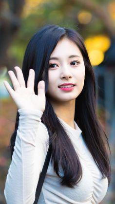 Kpop Girl Groups, Korean Girl Groups, Kpop Girls, Pretty Asian, Beautiful Asian Women, Nayeon, Korean Beauty, Asian Beauty, Twice Tzuyu