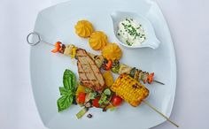 Vegane Grillspezialitäten | Vegan barbecue Plates, Tableware, Grilling, Licence Plates, Dishes, Dinnerware, Griddles, Dish, Plate