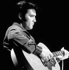 Elvis Presley ♛