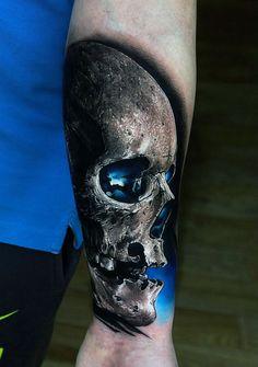 Inspiradas na fantasia, as tatuagens de Pavel Roch impressionam pela originalidade e tridimensionalidade.
