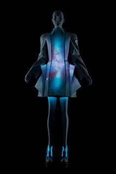 Vega Zaishi Wang, dress made from electroluminescent fabric.