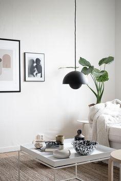 Today, we'll show you 20 beautiful Scandinavian living room designs to inspire a home decor makeover. Living Room Goals, Living Room Sets, Living Room Designs, Living Room Decor, Living Spaces, Living Room Inspiration, Interior Inspiration, Black And White Furniture, Décor Boho