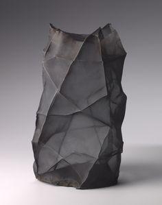 Black - vase - June Schwarcz - manipulating electroformed copper into a form that imitates crumpled fabric. Sculptures Céramiques, Sculpture Art, Pottery Sculpture, Ceramic Pottery, Ceramic Art, Keramik Vase, Paperclay, Pottery Designs, Contemporary Ceramics