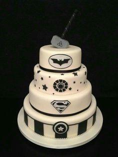 Superhero Wedding Cakes That Will Make Your Day Totally Epic Superhero Wedding Cake, Batman Wedding Cakes, Marvel Wedding, Geek Wedding, Superhero Cake, Wedding Vows, Superhero Logos, Comic Wedding, Batman Cakes