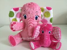 The Small Elephant Family  Machine by NonnieNooCreations on Etsy