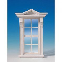 Viktorianisches Fenster (50161) aus Naturholz, wie #50160, jedoch bereits weiß lackiert. Dieses wundervolle Fenster im viktorianischen Stil wird mit echter Glasscheibe geliefert, separaten Sprossenleisten und Innenverkleidung. Die Glasscheibe kann zum reinigen einfach aus dem Rahmen entfernt werden. Abmessungen: 98 x 152 mm (BxH), Ausschnittmaße: 65 x 127 mm.