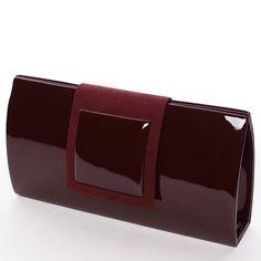 #novinka #2016 Luxusní vínová lakovaná kabelka psaníčko Royal Style se semišovou klopou na magnetický cvoček. Super krásná kabelka pro všechny společenské příležitosti a rozhodně by neměla chybět v žádném šatníku. Uvnitř kapsa bez zipu. Součástí kabelky je popruh. Psaníčko lze nosit na rameni nebo v ruce.