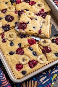 Sheet Pan Oat Pancakes - love pancakes but hate the flipping and standing at the stove? These easy sheet pan oat pancakes with berries and banana is the perfect effortless breakfast. Slimming World and Weight Watchers friendly Slimming World Desserts, Slimming Eats, Oat Pancakes, Yummy Pasta Recipes, Sheet Pan, Kid Friendly Meals, Healthy Breakfast Recipes, Flipping, Stove