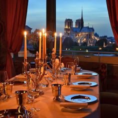La Tour d'Argent, direct by Bus 87. Luxury and French cuisine at their best ! Duck is their specialty, but there are of course other wonderful dishes. The restaurant's wine cellar contains more than 450,000 bottles !!