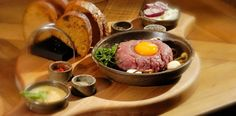 Steak Tartare Steak Tartare, How To Cook Beef, Beef Tenderloin, Russian Recipes, Fries, Cooking Recipes, Favorite Recipes, Stuffed Peppers, Dishes