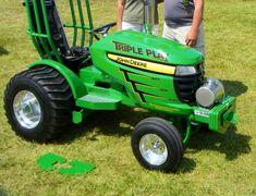 JD.Nice  replica John Deere lawn & garden tractor