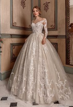 Ball gown wedding dress EVELYN wedding dresses bridal Source by cass_davies. Country Wedding Dresses, Best Wedding Dresses, Perfect Wedding Dress, Bridal Dresses, Gown Wedding, Wedding Dress Shopping, Tulle Wedding, Elegant Wedding, Wedding Venues