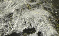 Uno Sguardo al Satellite: Domenica Instabile sull'Italia #meteo #pioggia #satellite