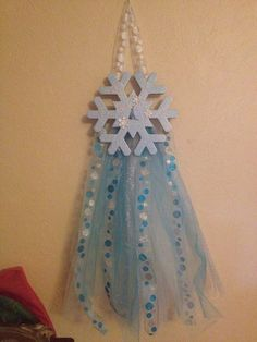 Frozen inspired Elsa themed bow holder  by ItsASisterThing2