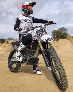 With 49 years of racing technology and development, O'Neal products are the culmination of knowledge, experience, and passion. With champions such as Mike LaRocco, Travis Preston, and Justin Hill we've put our products to the test. Best Motorbike, Motorcycle Dirt Bike, Dirt Bike Girl, Motorcycle Touring, Dirt Biking, Motorcycle Quotes, Oneal Motocross, Motocross Kit, Enduro Motocross