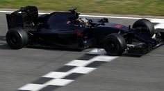 Here's What A New F1 Car Looks Like Without All Of The Stickers http://blackflag.jalopnik.com/heres-what-a-new-f1-car-looks-like-without-all-of-the-s-1760637782