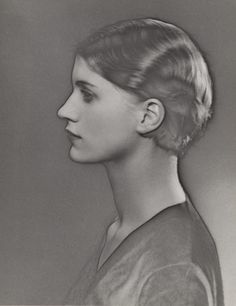 Man Ray - Solarized portrait of Lee Miller, 1929 Lee Miller, Man Ray Photography, Vintage Photography, Paris Photography, Surrealism Photography, Photography Portraits, Landscape Photography, Nature Photography, Fashion Photography
