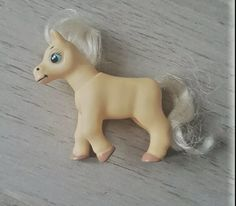 Palomino magazine pony