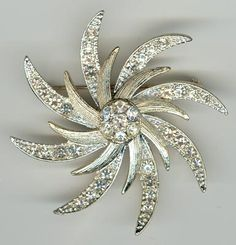 Sarah Coventry Starburst...this is my favorite pin